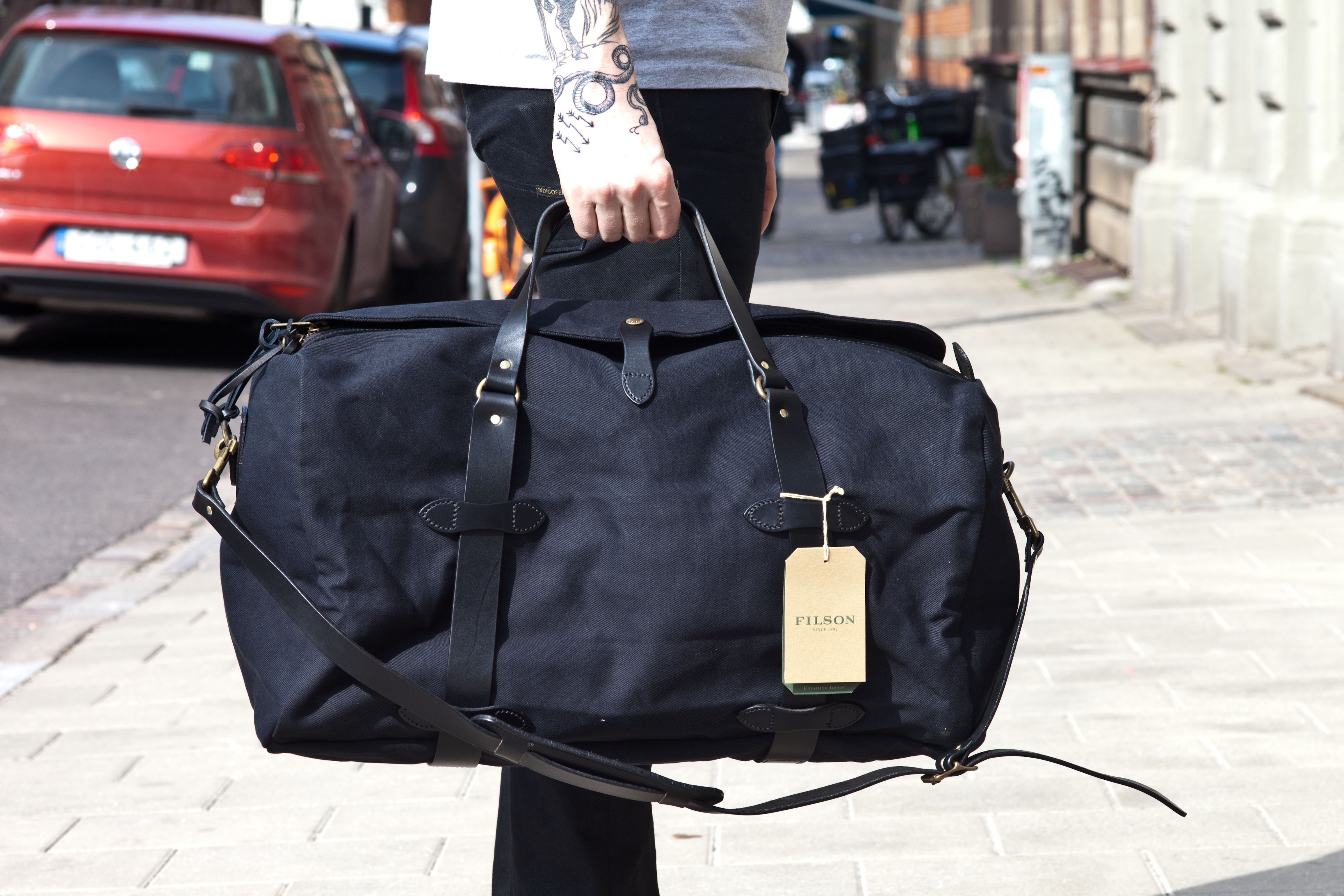 Filson Medium Duffle Bag Black 1 2